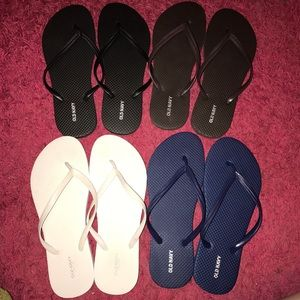 Old navy NEW flip flop bundle